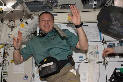 Astronaut Adapts to Weightlessness on His First Day in the Iss