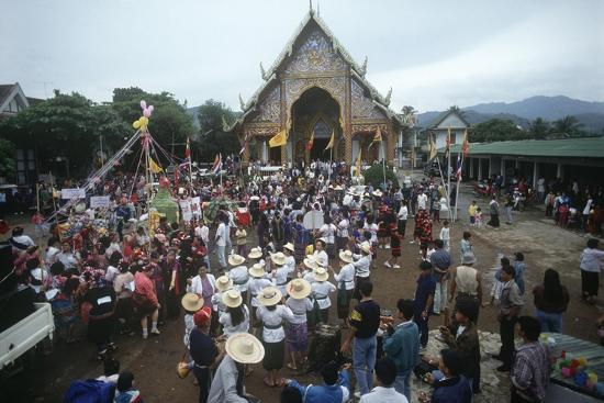 Thailand, Tha Thon, Crowd at Feast of Offerings, Outside Temple--Giclee Print