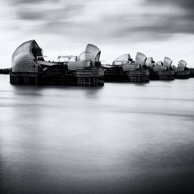 https://imgc.artprintimages.com/img/print/thames-barrier-london_u-l-pz09t50.jpg?p=0