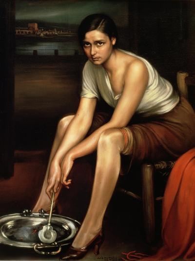 The Alluring Young Girl-Julio Romero de Torres-Premium Giclee Print
