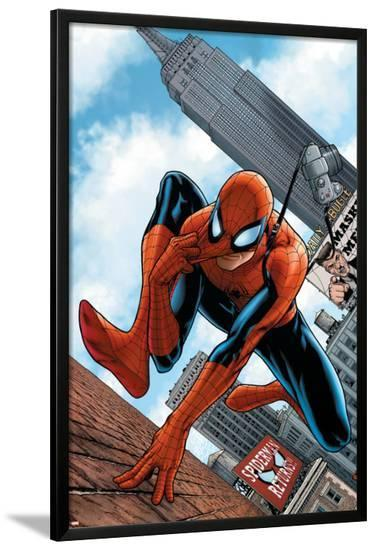 The Amazing Spider-Man No.546 Cover: Spider-Man-Steve MCNiven-Lamina Framed Poster