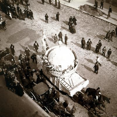 The Arrival of Carriages at the Exposition Universelle, Paris, 1900--Photographic Print