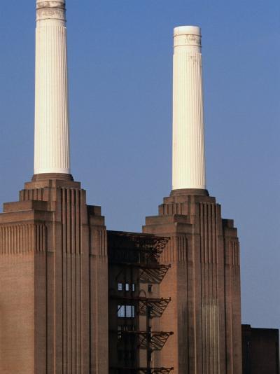 The Battersea Power Plant - London, England-Doug McKinlay-Photographic Print
