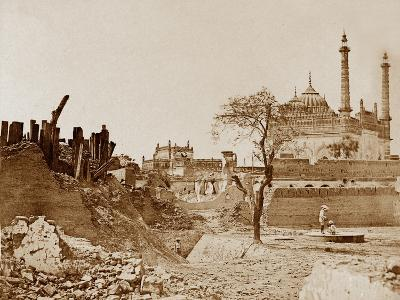 The Battery Near the Begum Kotee, Lucknow-Felice Beato-Photographic Print