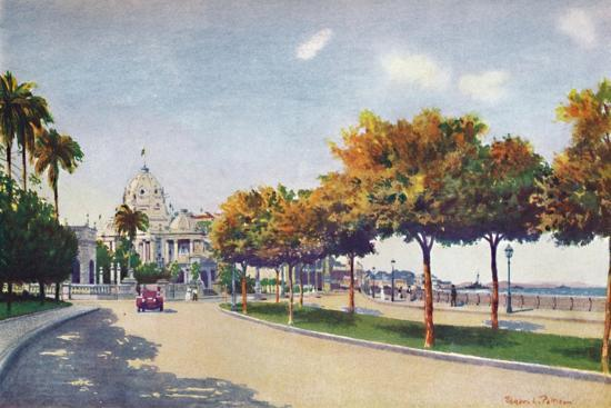 'The Beautiful Beira Mar Drive - approaching the Magnificent Monroe Palace', 1914-Unknown-Giclee Print