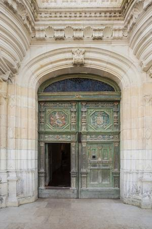 https://imgc.artprintimages.com/img/print/the-beautifully-decorated-entrance-door-to-the-chateau-at-chenonceau-indre-et-loire-loire-valley_u-l-q1bry6g0.jpg?p=0