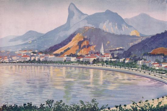 'The Botafogo portion of Rio's Bay-side Avenue, overlooked by Corcovado Mountain', 1914-Unknown-Giclee Print