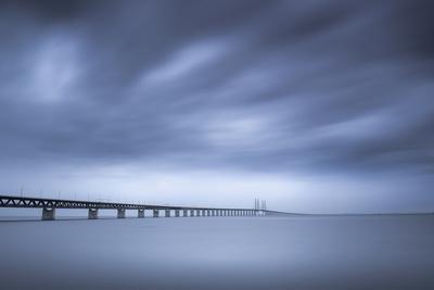 https://imgc.artprintimages.com/img/print/the-bridge_u-l-q1d9eql0.jpg?p=0