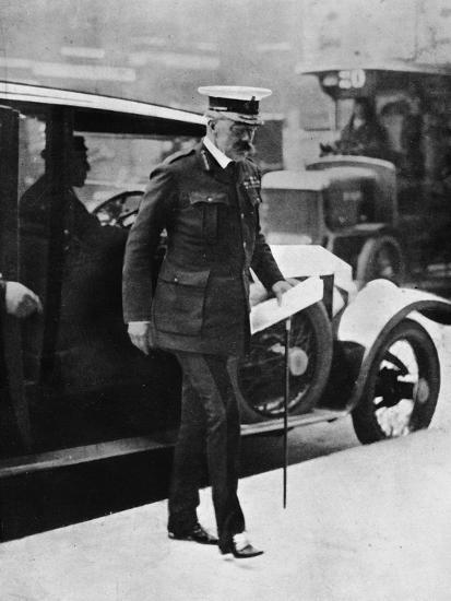 'The Cabinet crisis: Lord Kitchener arriving at the War Office', 1915-Unknown-Photographic Print