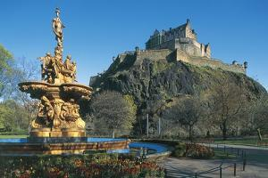 The Castle from West Princes Street Gardens