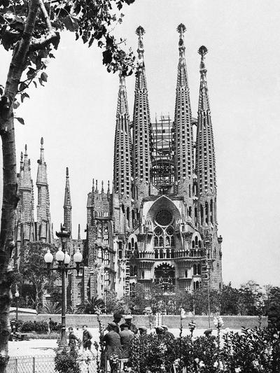 The Cathedral of the Sagrada Familia in Barcelona, 1939--Photographic Print
