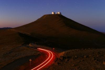 The Cerro Paranal Observatory Sits on a Peak in the Atacama Desert-Babak Tafreshi-Photographic Print