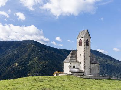 The Church Sankt Jakob, Val de Funes, Italy, South Tyrol, Alto Adige-Martin Zwick-Photographic Print