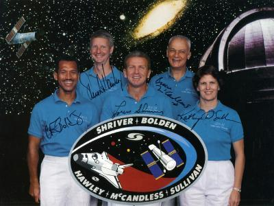 The Crew of Space Shuttle Mission Sts-31, 1990--Photographic Print