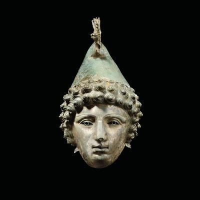 https://imgc.artprintimages.com/img/print/the-crosby-garrett-helmet-late-1st-2nd-century-ad_u-l-pcefpy0.jpg?p=0