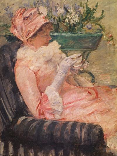 The Cup of Tea, Ca, 1880-81-Mary Cassatt-Giclee Print