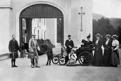 https://imgc.artprintimages.com/img/print/the-czars-visit-to-balmoral-1896_u-l-ptljdm0.jpg?p=0