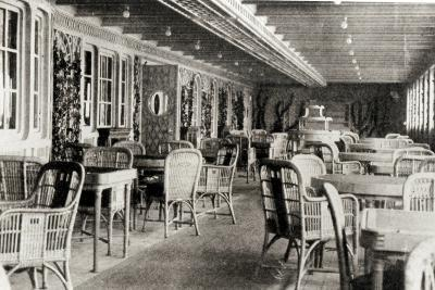 The Deck Cafe on the Titanic, 1912--Photographic Print