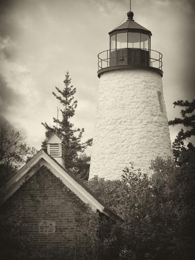 The Dice Head Lighthouse in Maine-Robbie George-Photographic Print