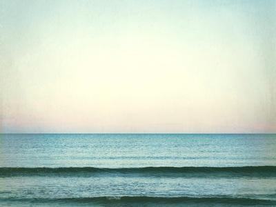 https://imgc.artprintimages.com/img/print/the-distant-horizon_u-l-q1b6p5j0.jpg?p=0