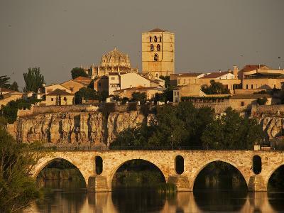 The Duero River and Roman Bridge in Zamora-Tino Soriano-Photographic Print
