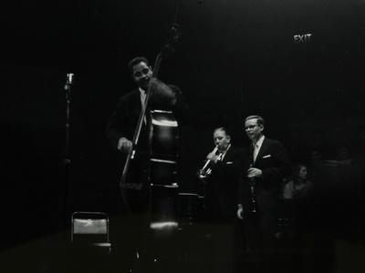 https://imgc.artprintimages.com/img/print/the-eddie-condon-all-stars-on-stage-at-colston-hall-bristol-1957_u-l-q10m42y0.jpg?p=0