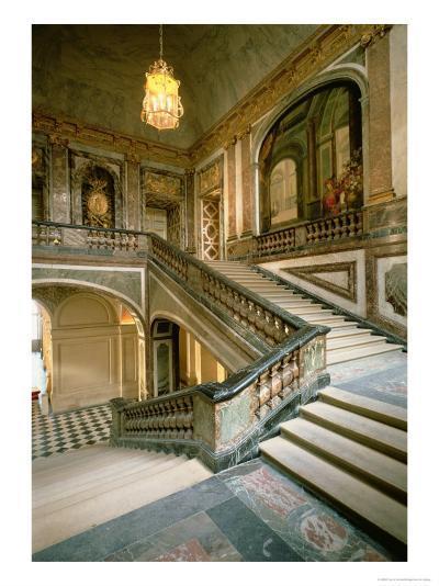 The Escalier de La Reine--Giclee Print