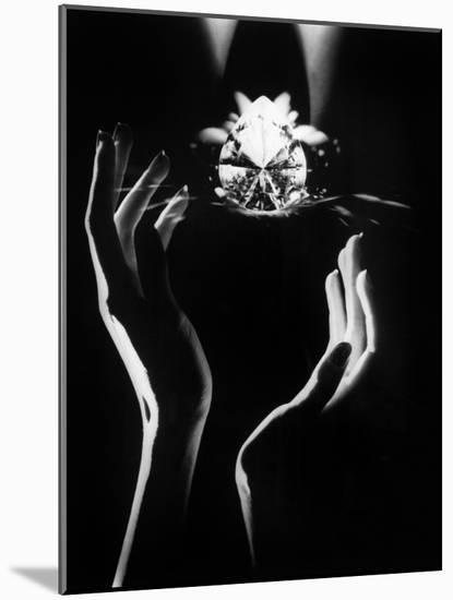The Famous Diamond Louis Cartier Assured for $5 Million, New York, December 14, 1976--Mounted Photo