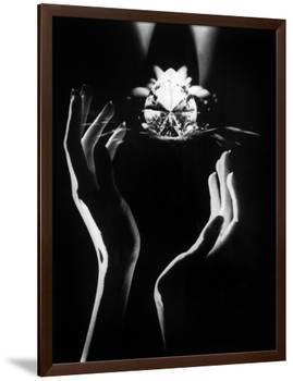 The Famous Diamond Louis Cartier Assured for $5 Million, New York, December 14, 1976-null-Framed Photo