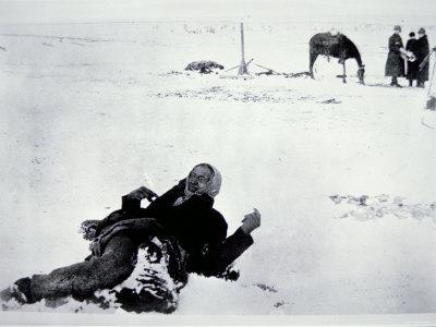 https://imgc.artprintimages.com/img/print/the-frozen-body-of-chief-big-foot_u-l-p56pdo0.jpg?p=0
