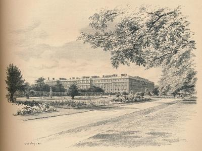 https://imgc.artprintimages.com/img/print/the-garden-fronts-of-hampton-court-palace-1902_u-l-py7xns0.jpg?p=0