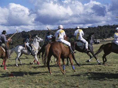 https://imgc.artprintimages.com/img/print/the-geeburg-polo-match-bushmen-versus-melbourne-polo-club-australia_u-l-p1lc4u0.jpg?p=0