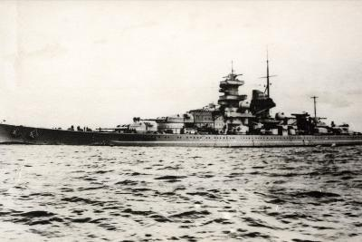 The German Battleship Gneisenau at Sea, Early in World War II--Photographic Print