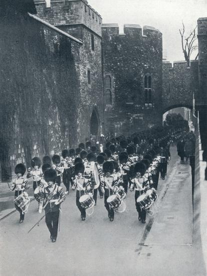 The Guards leaving the Tower of London, c1914-Unknown-Photographic Print