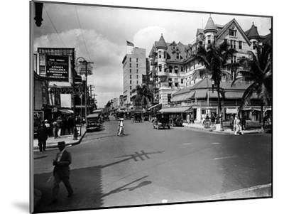 The Halcyon Hotel, 1924--Mounted Photographic Print