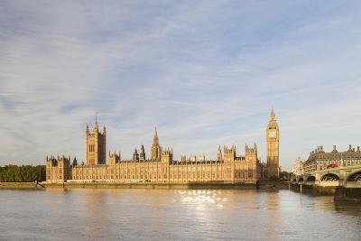 The Houses of Parliament Bathed in Early Morning Light, London, England--Giclee Print