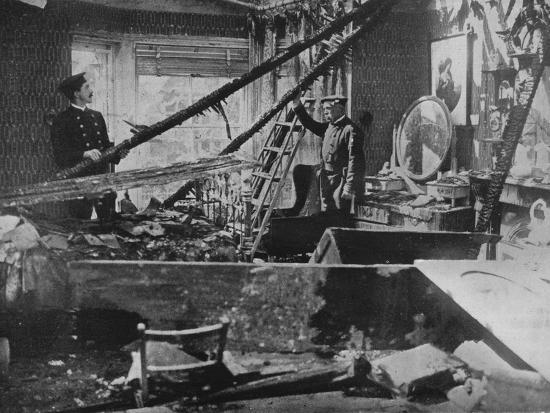 'The interior of one of the wrecked houses in Southend', 1915-Unknown-Photographic Print