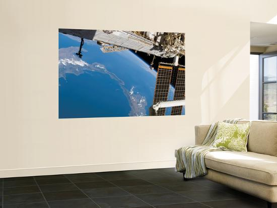 The International Space Station Frames This View of the of Italy and Sicily, August 14, 2007--Wall Mural