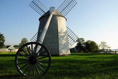 https://imgc.artprintimages.com/img/print/the-jonathan-young-windmill-constructed-in-1720-america-s-oldest_u-l-psw6u00.jpg?p=0