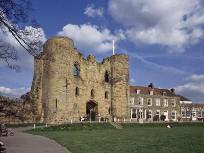 The Keep and Inner Courtyard of Tonbridge Castle, Tonbridge, Kent, England, United Kingdom, Europe--Photographic Print