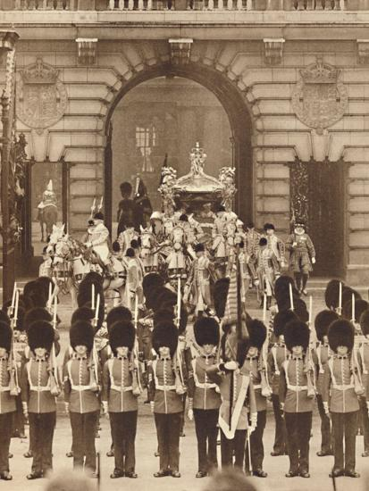 'The King and Queen Leave the Palace for their Coronation', 1937-Unknown-Photographic Print