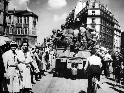 The Liberation of Paris, August 1944--Photographic Print