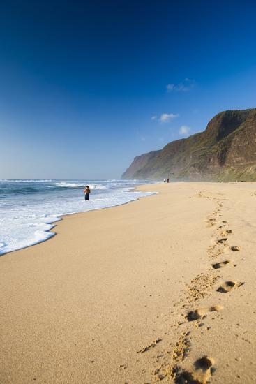 The Long Stretches of Beach, Polihale State Beach Park, Kauai, Hawaii-Micah Wright-Photographic Print