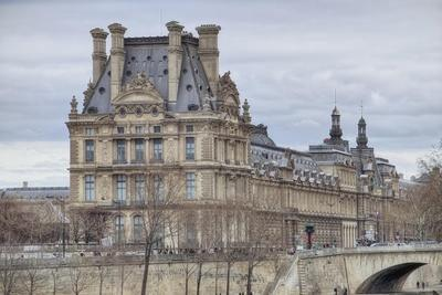 https://imgc.artprintimages.com/img/print/the-louvre-and-pont-royal_u-l-q1a91ka0.jpg?p=0