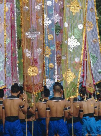 https://imgc.artprintimages.com/img/print/the-loy-krathong-festival-in-the-old-capital-of-sukhothai-thailand_u-l-p2ehhz0.jpg?p=0