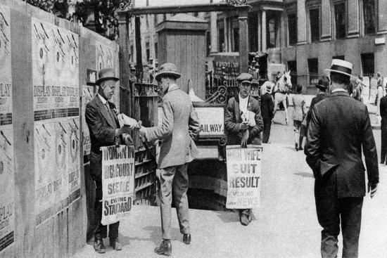 The Lunchtime Newspaper Paper Headlines, Trafalgar Square, London, 1926-1927--Giclee Print