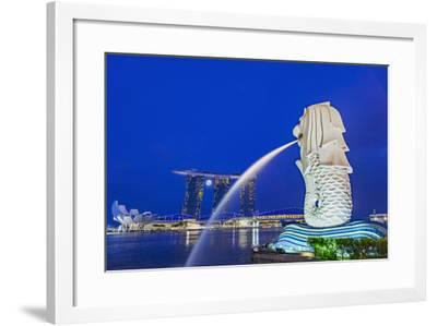 The Marina Bay Sands Hotel and Shopping Centre and the Singapore Art and Science Museum, Singapore-Cahir Davitt-Framed Photographic Print