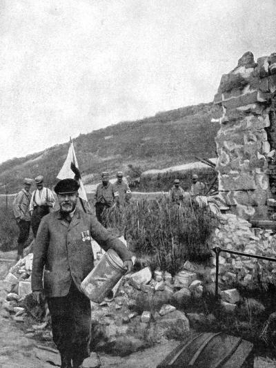 The Mayor of Ablain-Saint-Nazaire in the Ruins of the Commune, 1915--Giclee Print