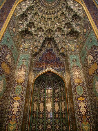 https://imgc.artprintimages.com/img/print/the-mihrab-in-the-sultan-qaboos-grand-mosque-muscat-oman-middle-east_u-l-p8zgov0.jpg?p=0