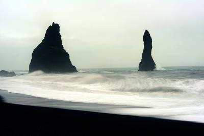 The Mysterious Black Reynisfjara Beach on the South Coast of Iceland-Raul Touzon-Photographic Print
